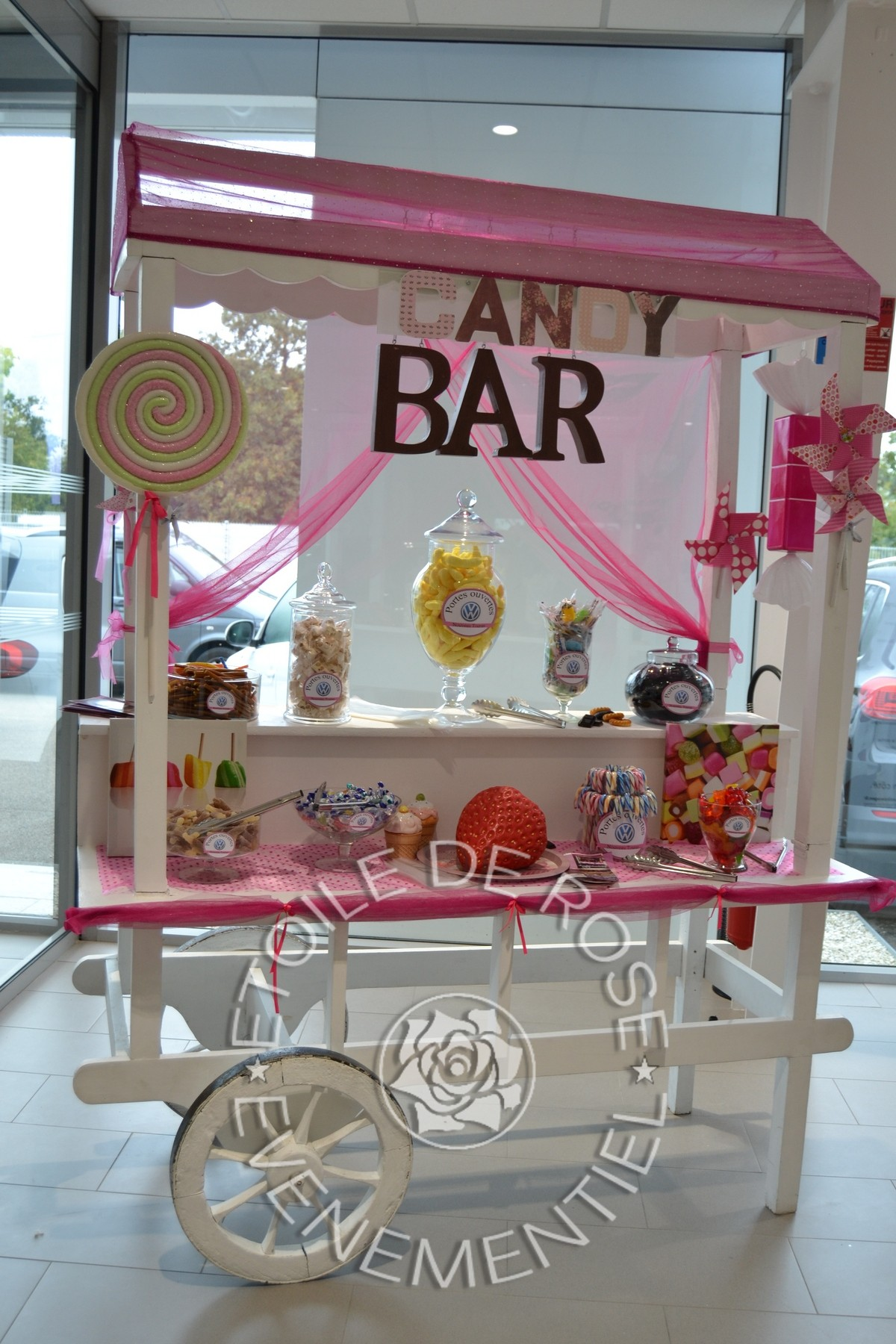 Location voiture mr mrs candy bar housses nappes rondes - Candy bar pas cher ...