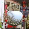 Pomme géante, vitrine de Noël
