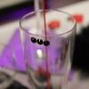 Détail d'un verre, strass