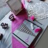 La table du livre d'or et de l'urne à enveloppes