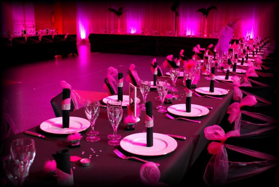 Mariage cabaret noir fuchsia etoile de rose candy bar for Deco de table noir et rose