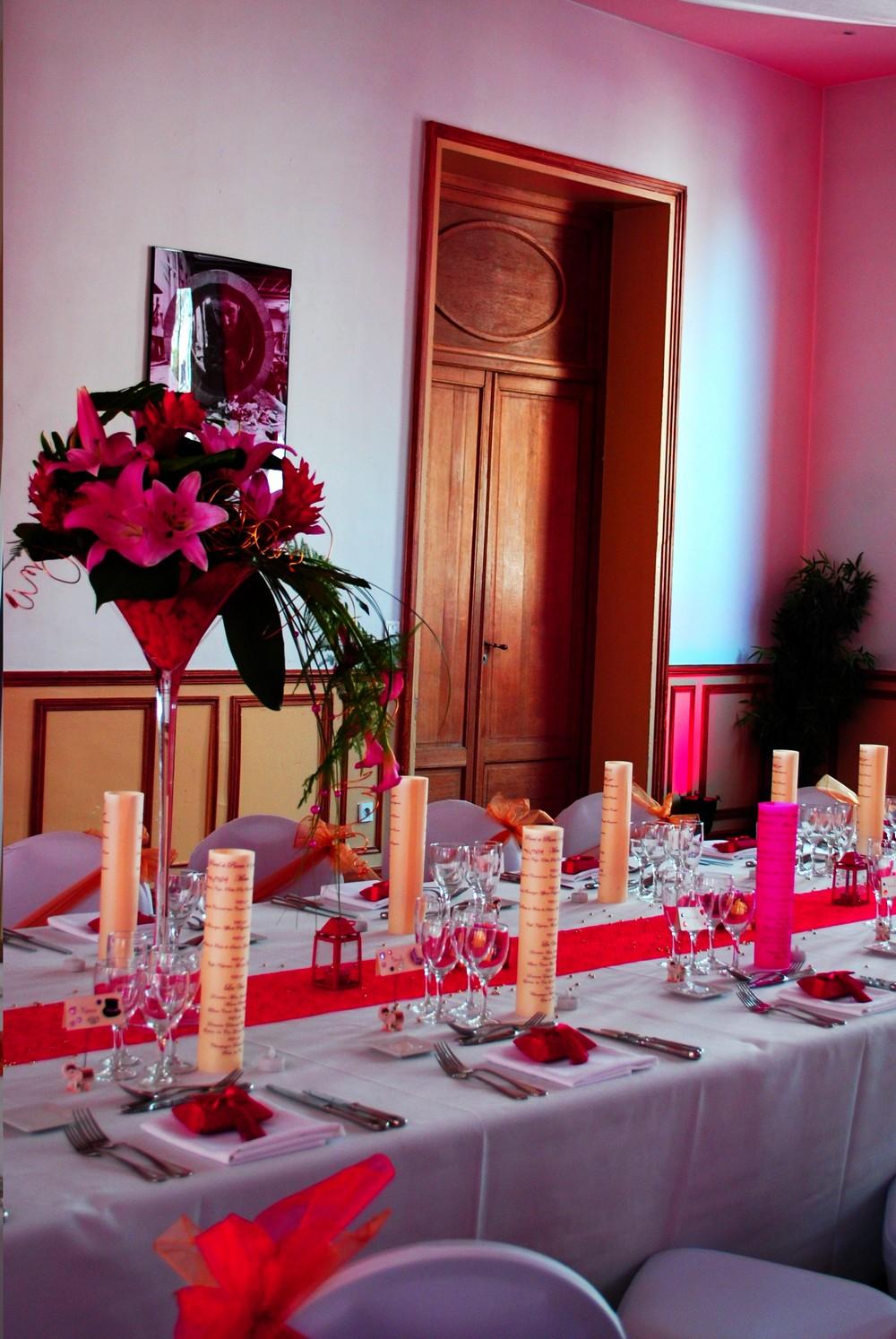 mariage au cercle colbert rouge et or etoile de rose. Black Bedroom Furniture Sets. Home Design Ideas