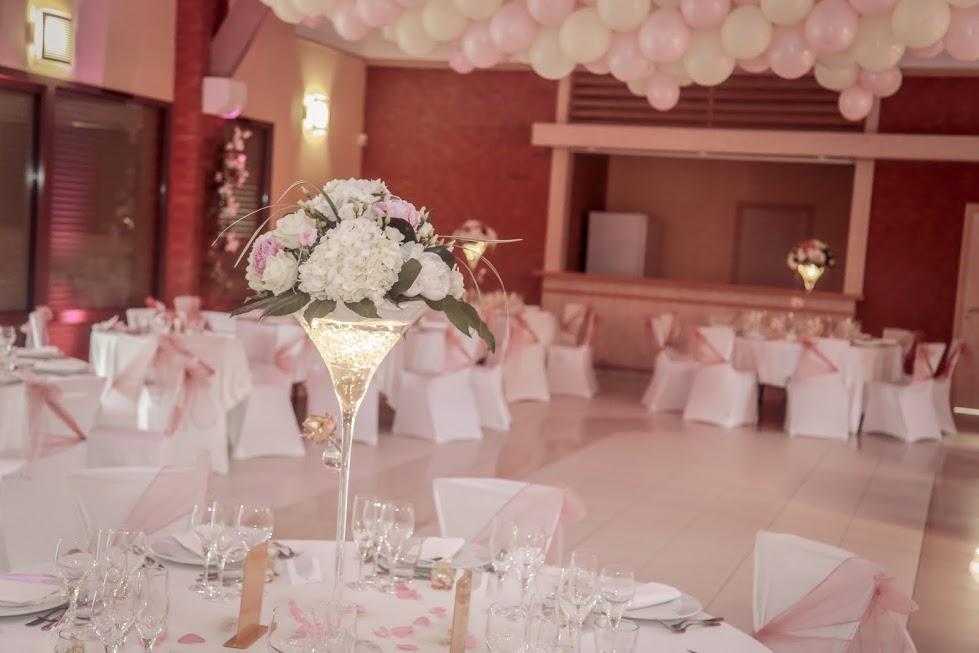 Décoration de mariage rose et rose