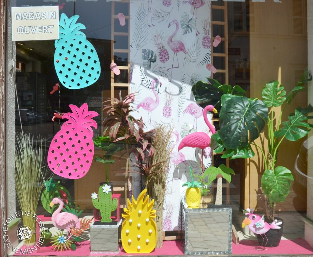 Vitrine flamands rose et ananas