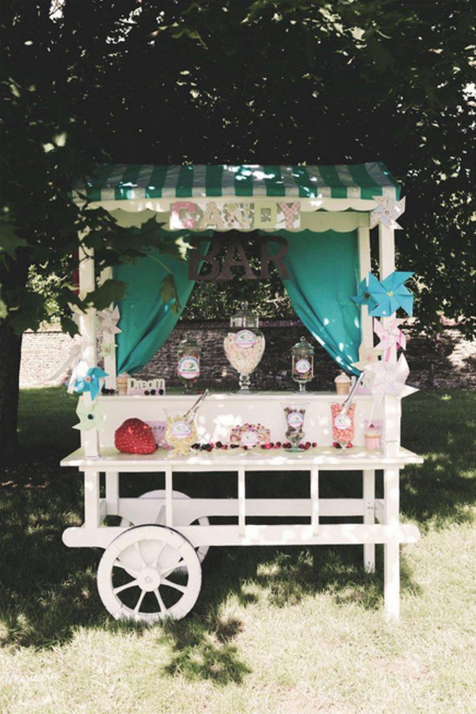 Candy bar décoré dans le thème du mariage